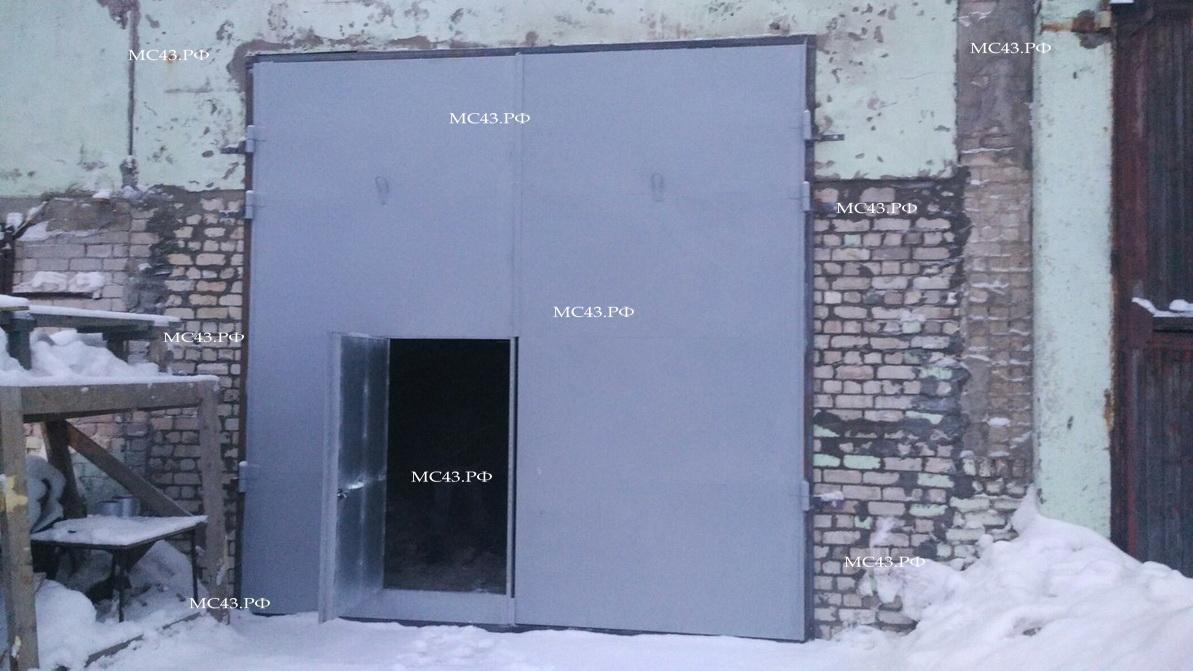 фото гаражных ворот в Кирове