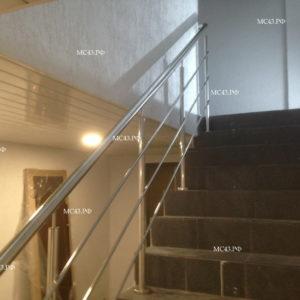 фото ограждения лестницы из нержавейки