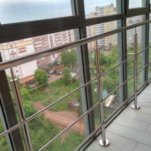 Ограждение панорамного балкона нержавейка