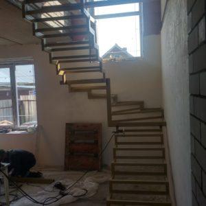 Каркас лестницы на второй этаж в нововятске