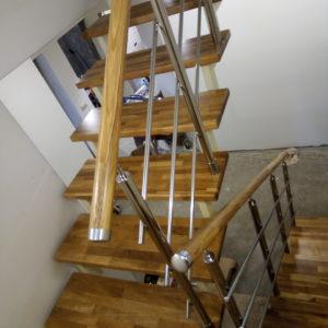 Лестница на второй из дуба